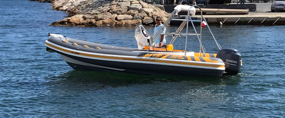 https://plaisance-location-bateau-hyeres.com/wp-content/themes/paradise/timthumb.php?src=https://plaisance-location-bateau-hyeres.com/wp-content/uploads/2018/06/JOKER-BOAT-WIDE-620-A-LOUER-HYERES-SLIDE1-960x400.jpg&w=80&h=50&zc=1